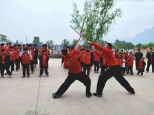 студенты из франции сдача экзамена в стиле шаолиньское кунг-фу в китае