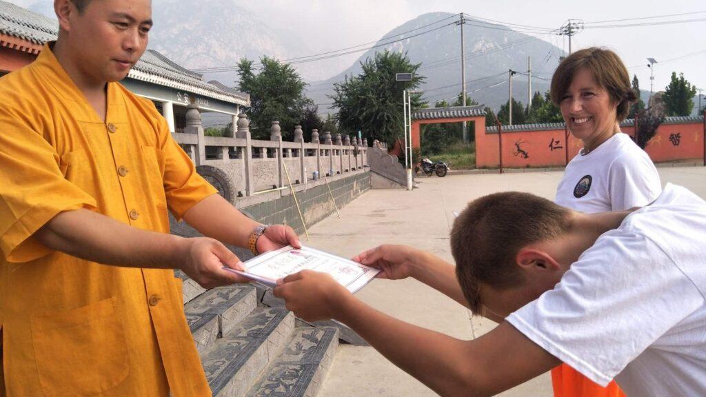 процесс получения сертификата в школе кунг-фу в китае